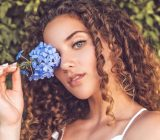 Sofie Dossi Biography, Age, Height, Net Worth, Boyfriend & More
